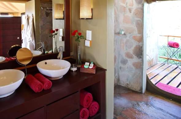 Beautiful VIGO Kenyan Twilight Glass Vessel Sink And Dior Faucet Set Antique